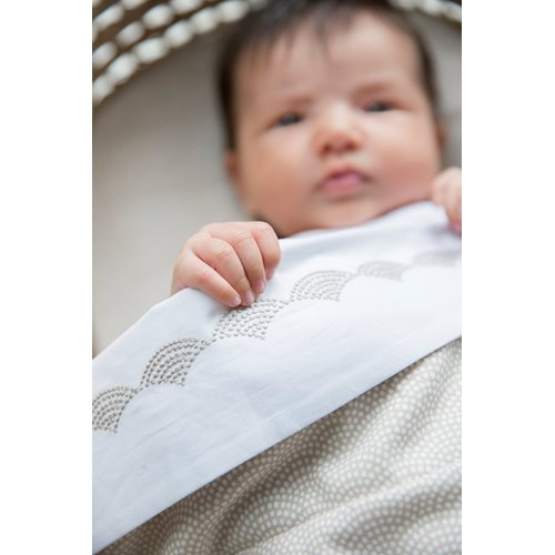 Picture of Bassinet sheet Beige Waves embroidered