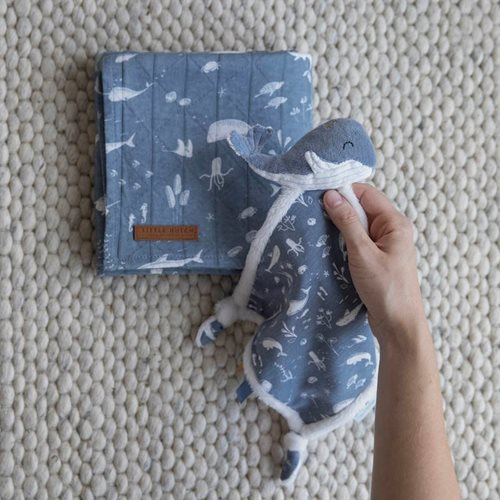 Picture of Cuddle cloth Whale Ocean Blue