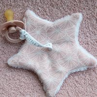 Afbeelding van Knuffeldoek ster Lily Leaves Pink