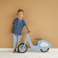 Picture of Scooter hout Blue